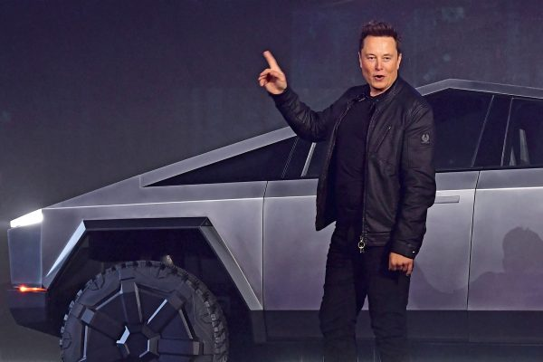 'Tweets' from Elon Musk are displeasing the SEC and Musk gets notified