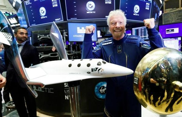 Virgin Galactic plummets 12% in the stock market one day after space trip