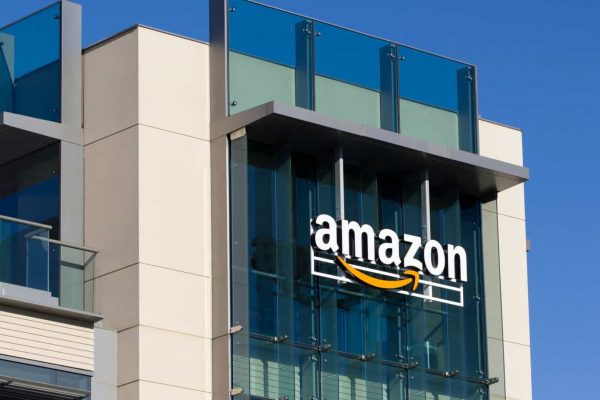 Amazon postpones return to offices to January 2022