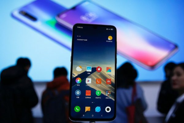 Lithuania advises consumers to throw away Chinese mobile phones